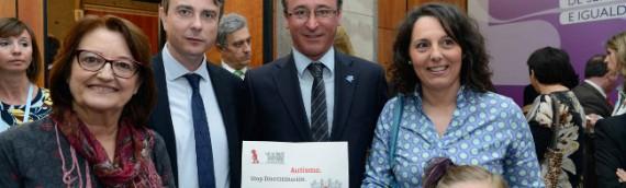 Encuentro del ministro de Sanidad con representantes de Autismo España