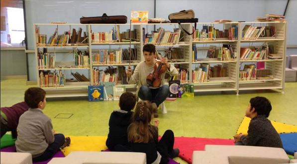 Sesión de musicoterapia en la Biblioteca Pública de Burgos