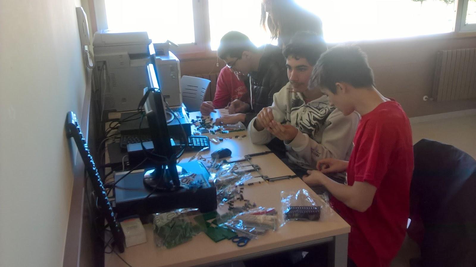 Robótica Educativa: Nuestro equipo ASTI Roboprotectors busca soluciones al desafío Animal Allies