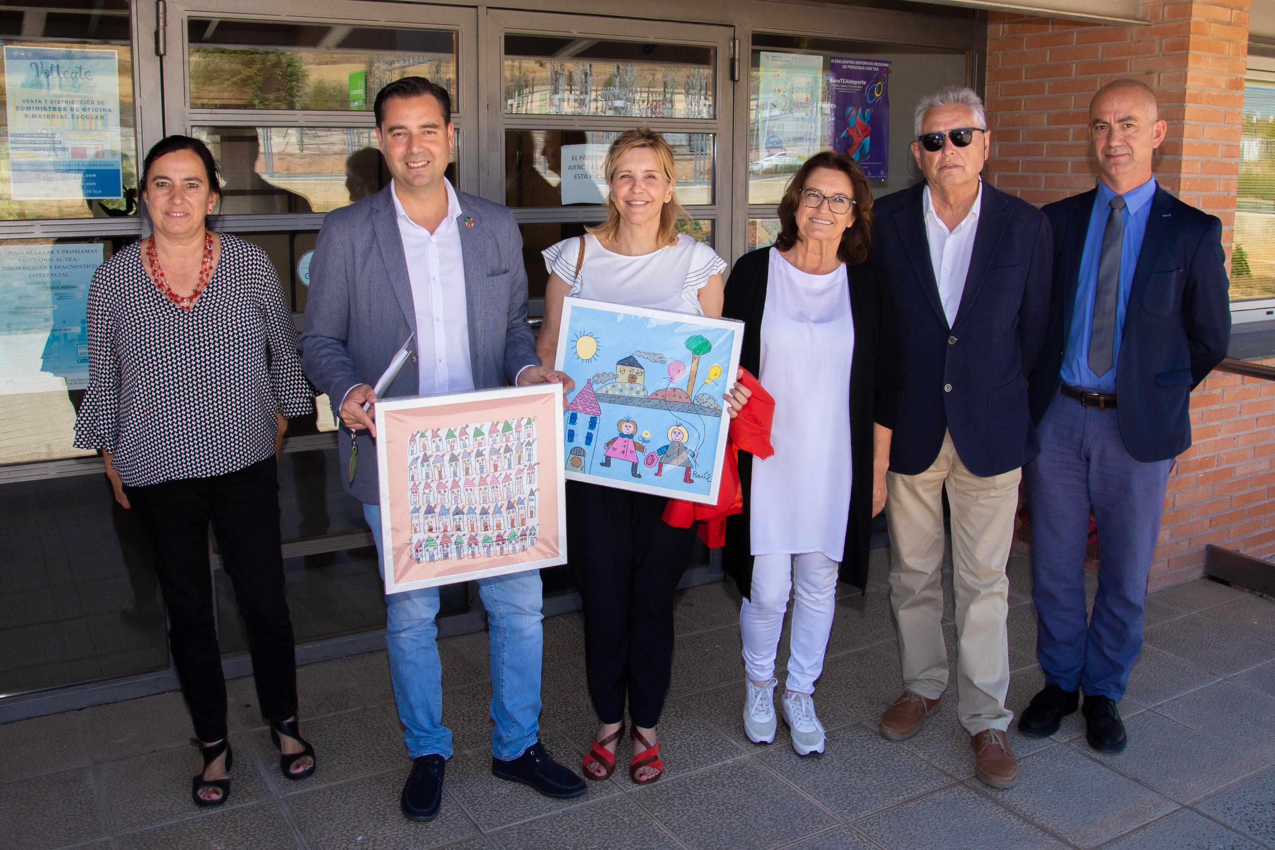 El Alcalde de Burgos Daniel de la Rosa visita Autismo Burgos