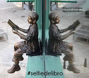#selfiedelibro