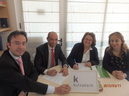 Kutxabank colabora en la integración social de niñas y niños con autismo a través del deporte